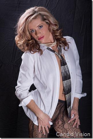 Mindy-2013-10-03-035